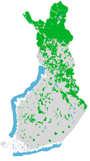 A map of Finland showing the locations of the land and water areas managed by Metsähallitus. Most of them are in Northern Finland, Kainuu and North Karelia. The water areas include coastal waters, excluding areas off Turku.